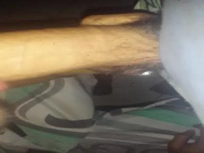 Caindo de boca na jeba grossa do meu primo